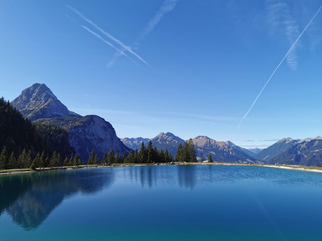 "Der ""Infinity Blick"" über den See in Ehrwald"