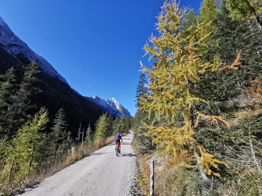 Mit dem Mountainbike durch das Gaistal zum schönen Bergsee