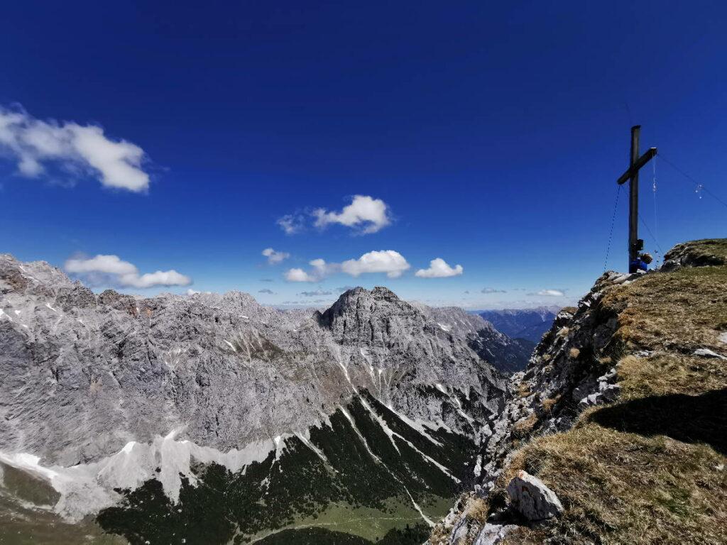 Im Gaistal wandern - Gipfeltour auf die Gehrenspitze