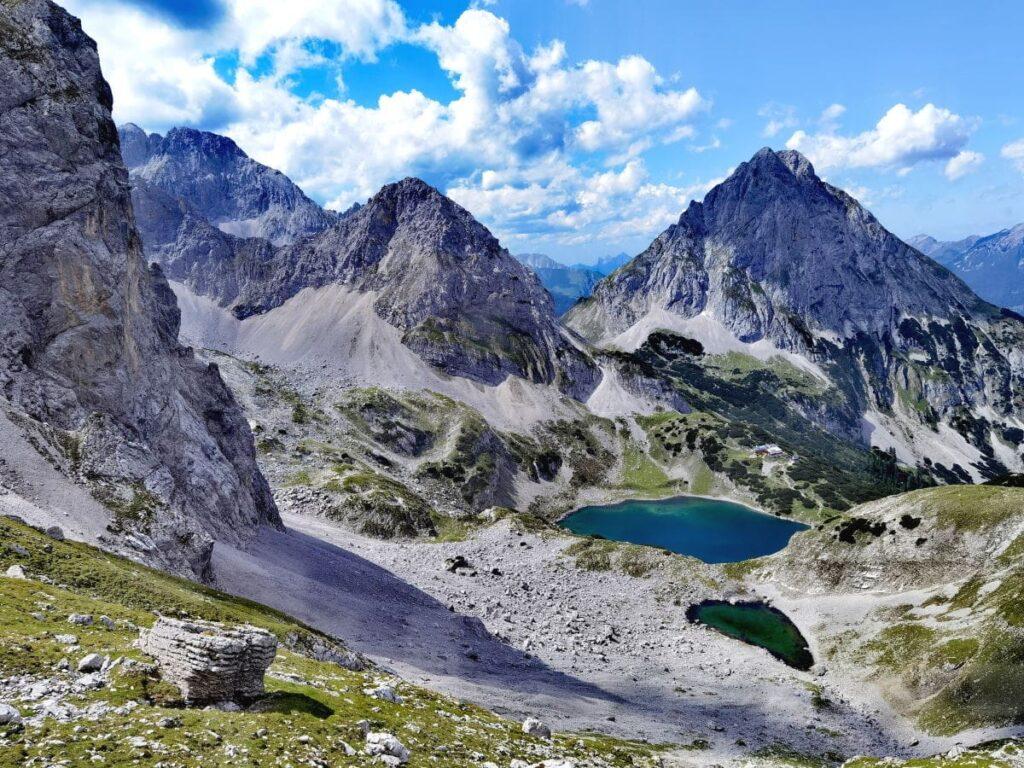 Der Drachensee in Tirol mit dem Herzsee